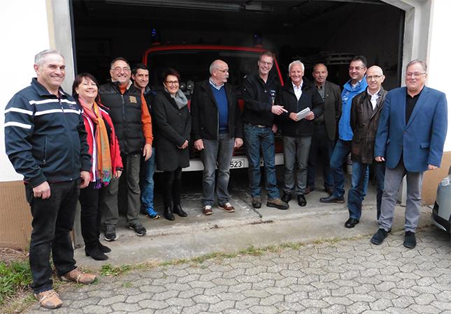 FWG Brohltal vor Ort am Feuerwehrhaus in Glees