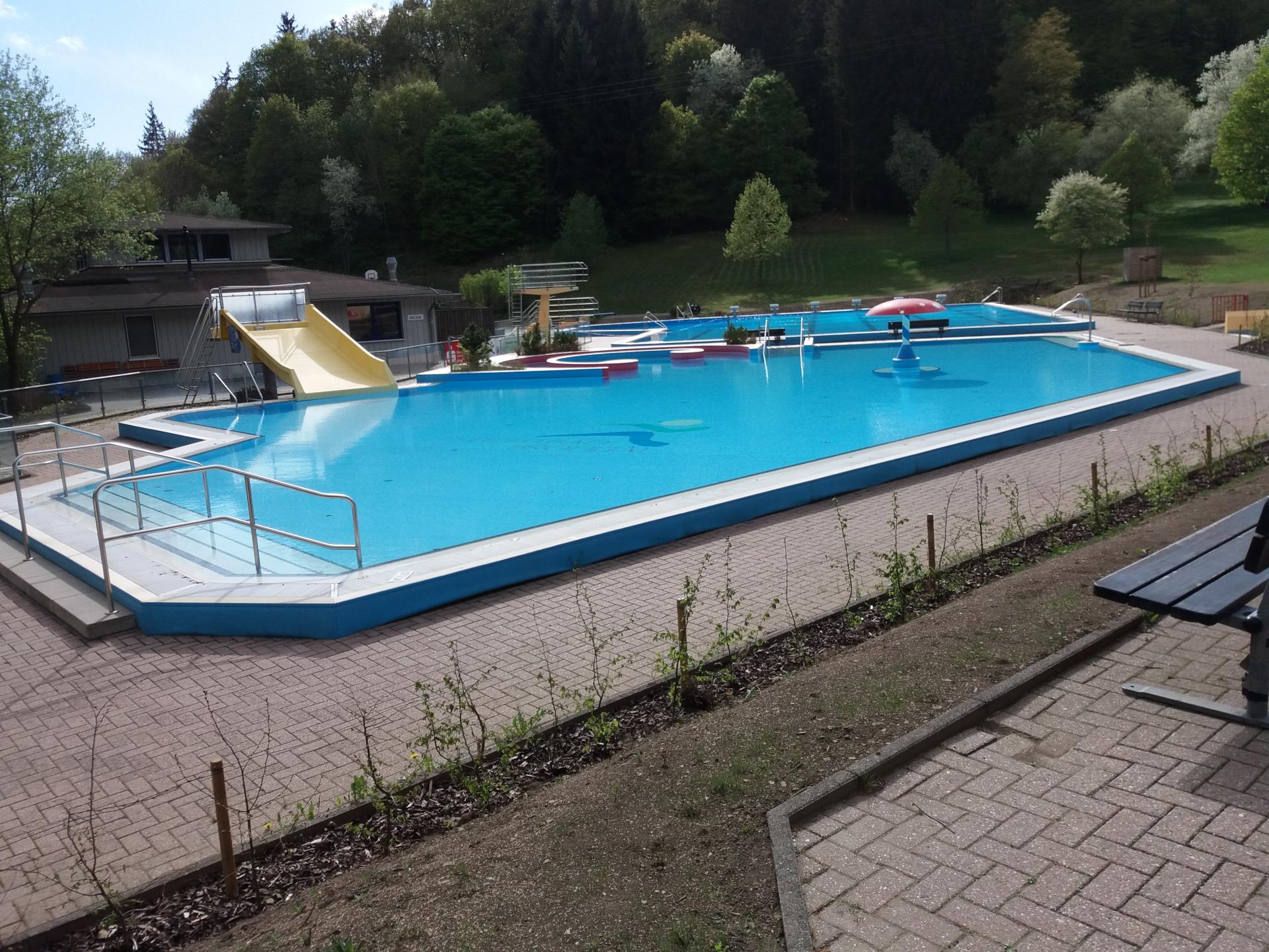 FWG-Brohltal-Freiwillige-gesucht-Freizeitbad-Brohltal-2019