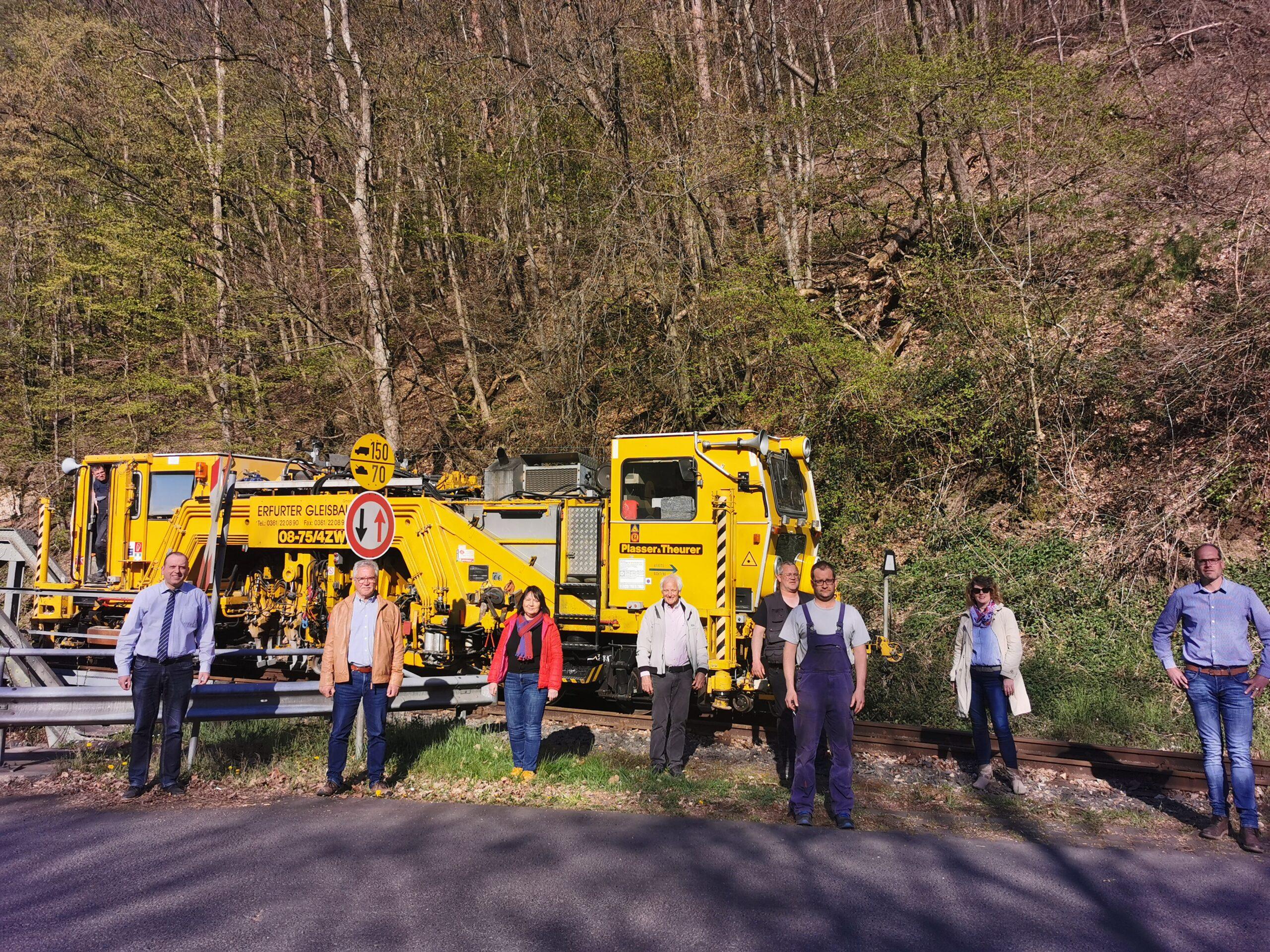 FWG besichtigt Gleisarbeiten des Vulkan-Expreß